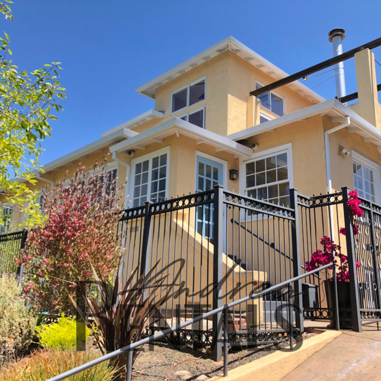 Stylish, Early 1920s House in the Heart of Thousand Oaks, Berkeley!