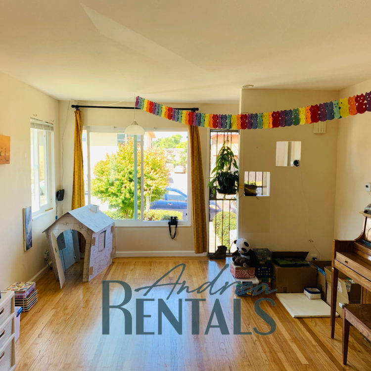 Conveniently Located 2 Bedroom in Northwest Berkeley Available August 15th!