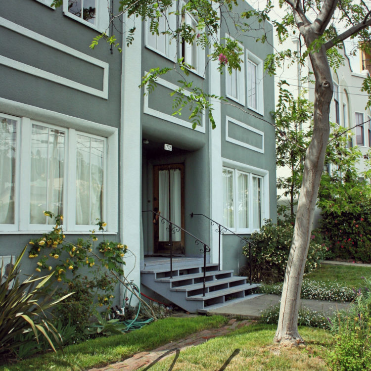 Lovely and Remodeled Downstairs 1+BR in Vintage 4-Plex on Walnut Street
