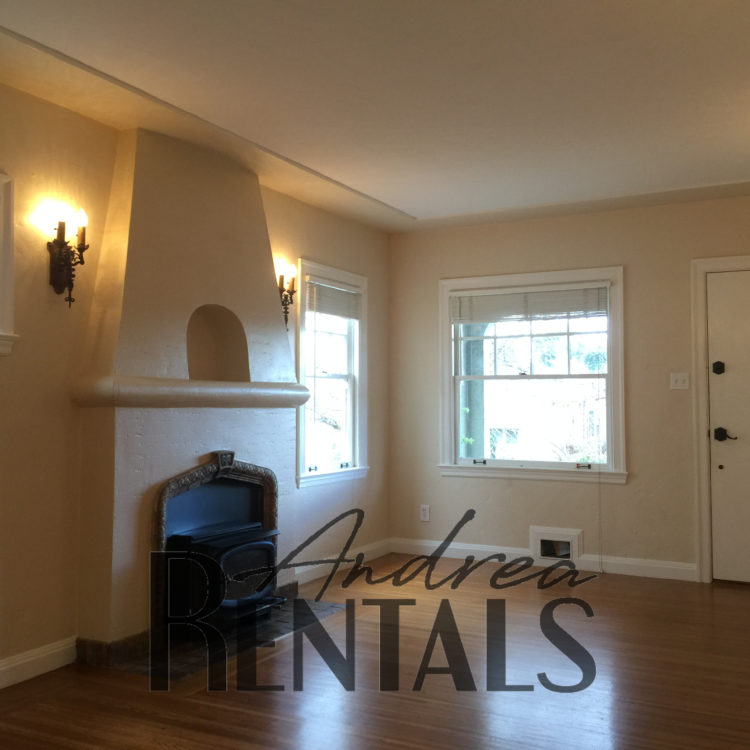 Sweet 2 Bedroom/1 Bath Home with In-Law Unit Available October 1!