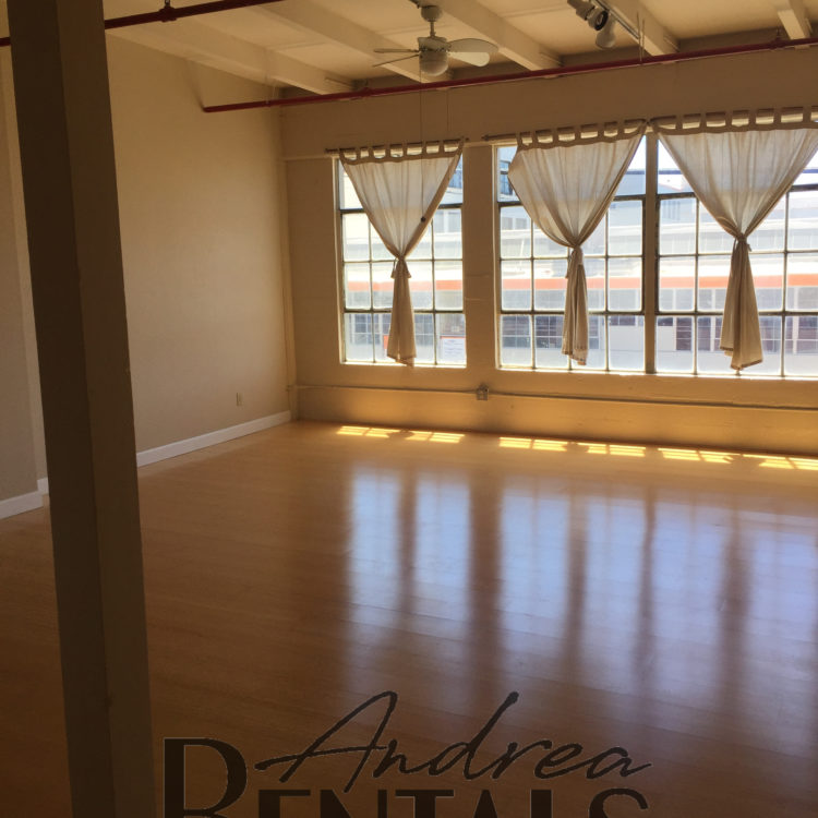 Live/Work Space on the Border of Emeryville & West Oakland Available October 1!