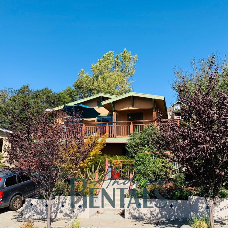 Garden Oasis 3++bedroom, 2bath house in the heart of  Redwood Heights!