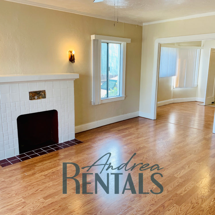 Large, charming 1BD/1BA unit in a perfect location!