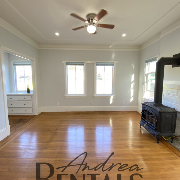 Fully Remodeled, Spacious, Bright Apartment! – Virtual Tour Now!