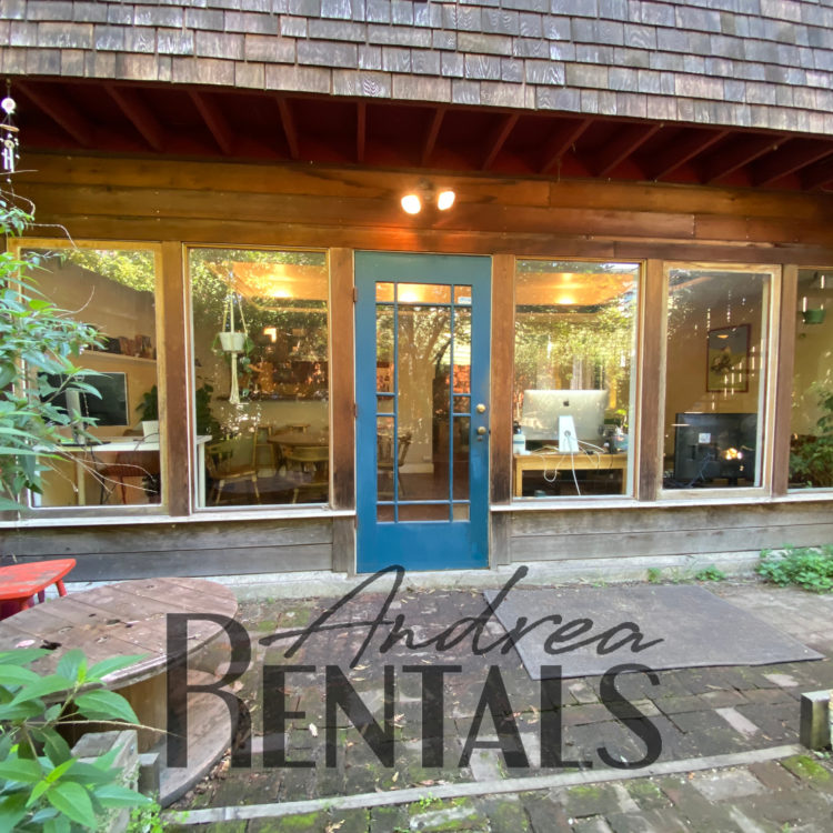 Spacious and sunny 3BD/2BA flat one block walk from Piedmont Ave – take a Virtual Tour Now!