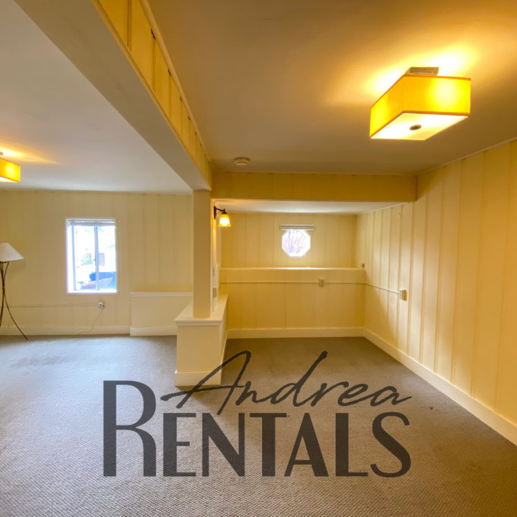 Peaceful in law apartment, with an independent entrance and private patio.  Take a Virtual Tour Now!