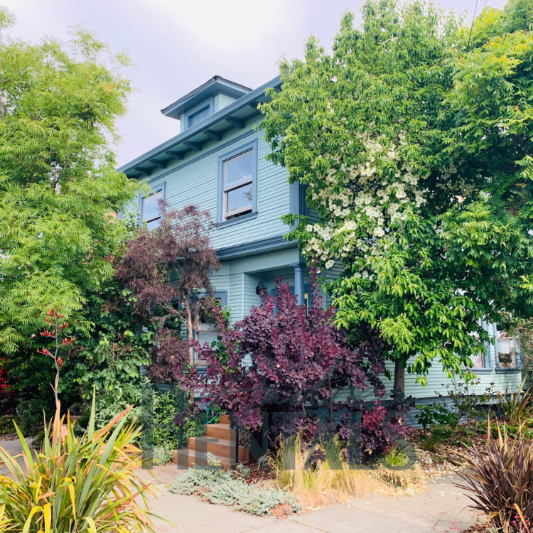 Charming, updated 3br/2ba flat in lovingly maintained duplex with early 20th-century style.