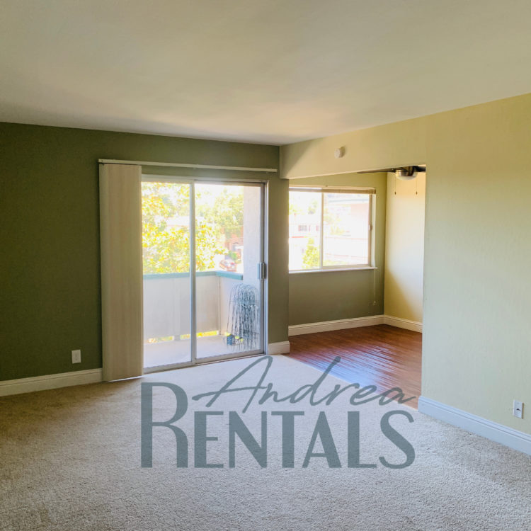 Spacious and super-clean top floor 2 bedroom,1 bathroom apartment with large, pretty balcony in retro-cool 50's apartment complex in the Lower Dimond District!