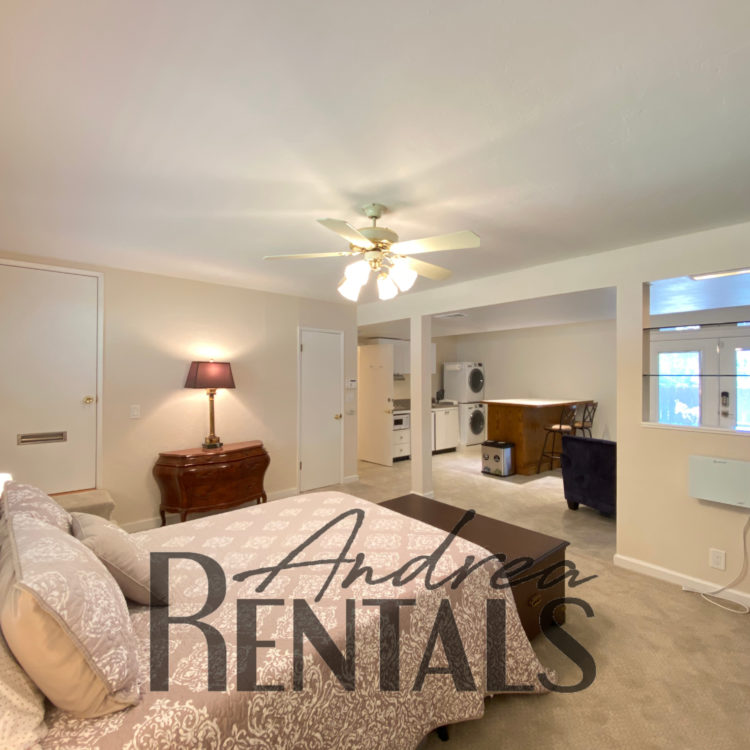 Peaceful in-law apartment, with an independent entrance and shared backyard.  Take a Virtual Tour Now!