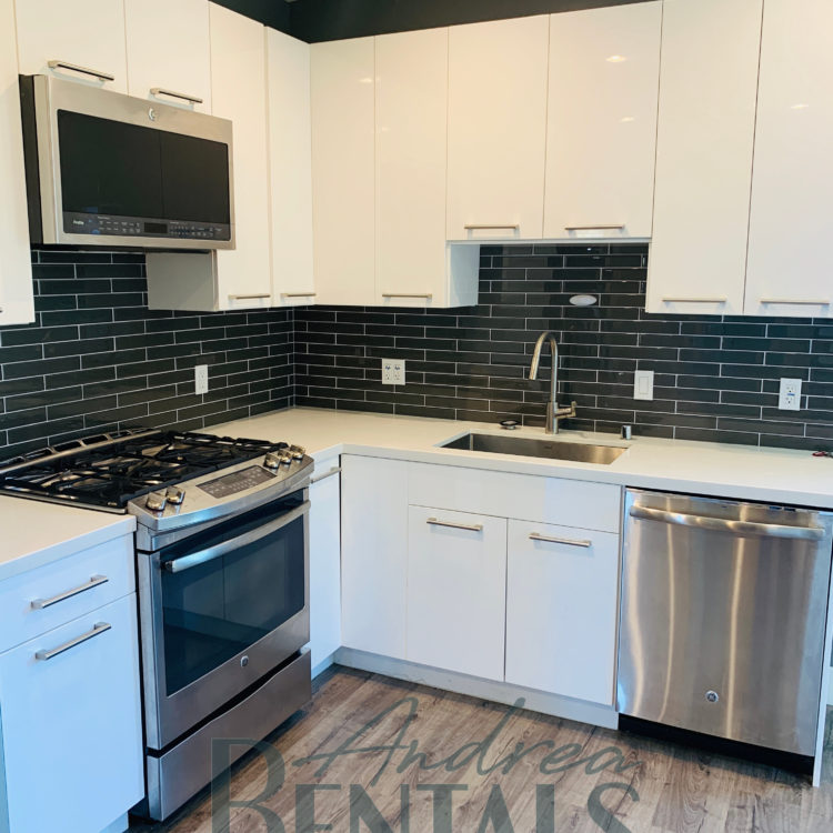 Fantastic upper unit in duplex with upscale finishes and hardwood floors in convenient Central Berkeley location!