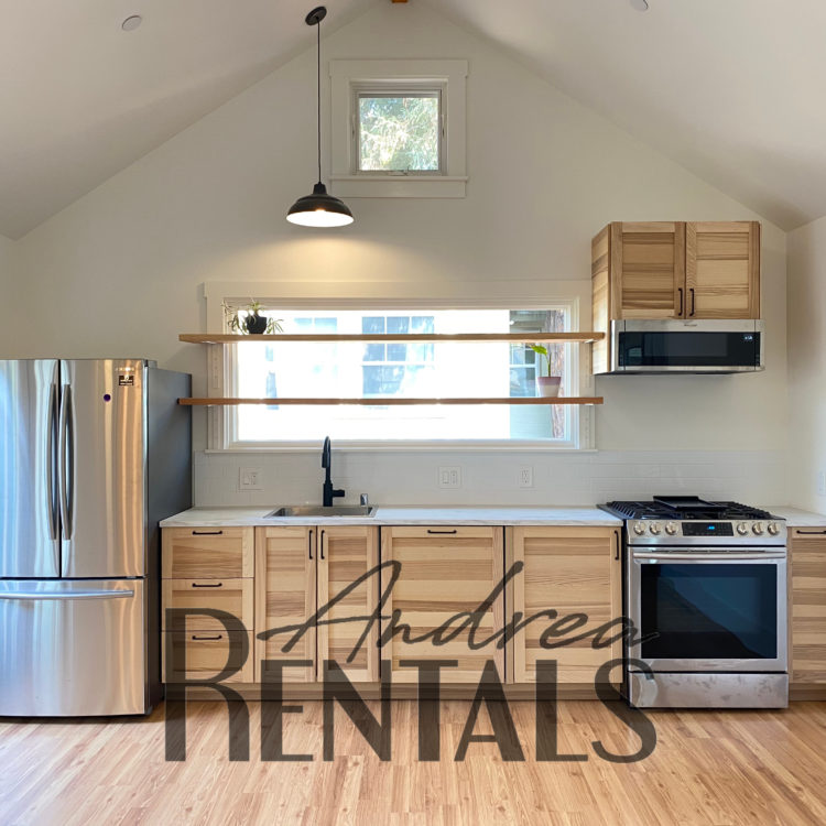 Brand new, hip 3br/2ba unit in amazing central Berkeley location!