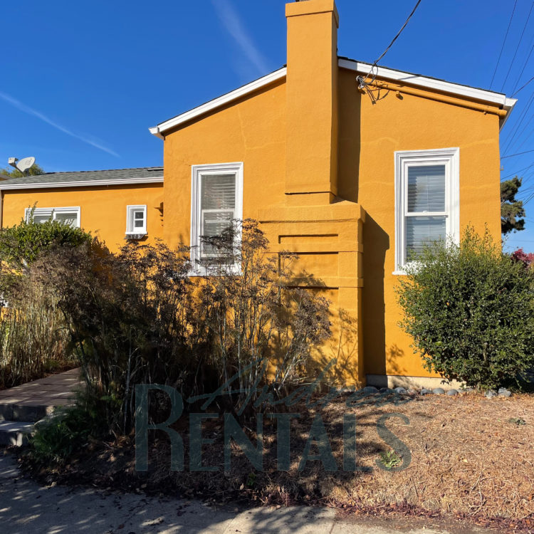 Pretty 1920's 2 bed/1 bath Berkeley Bungalow available December 15.
