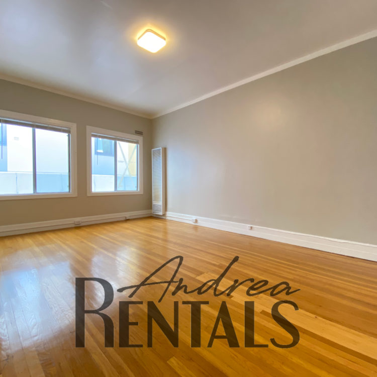 Charming and sunny top floor studio apartment located in the Telegraph neighborhood across from UC Berkeley and very close to Bart.