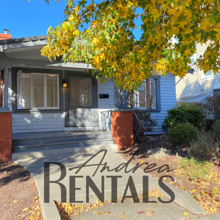 Pretty 1920s 2 bed+/1 bath house with modern upgrades – Includes a bonus sunroom, perfect for a home office!
