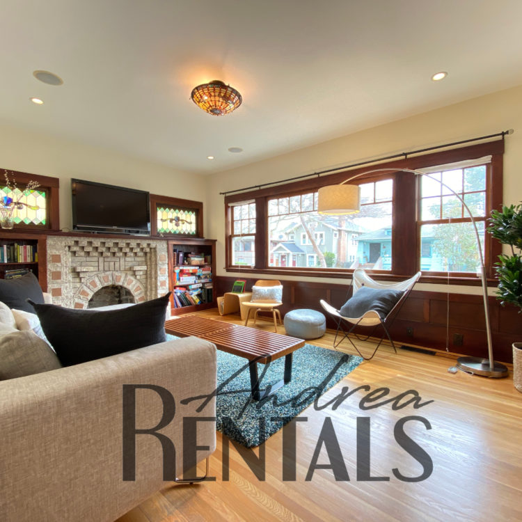 Perfect Vintage/Modern Rockridge Craftsman, ready for someone to call it home!