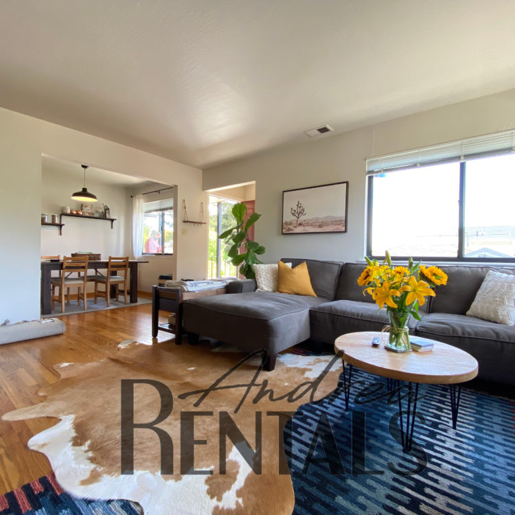 Serene, Roomy 2 Bedroom Unit in Albany 4-plex – Take a Virtual Tour Now!