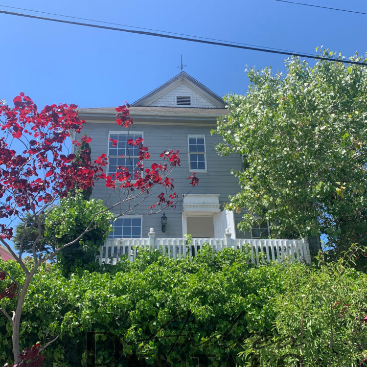 Lovely lower unit in charming Victorian duplex, 2 blocks from historic downtown Point Richmond!