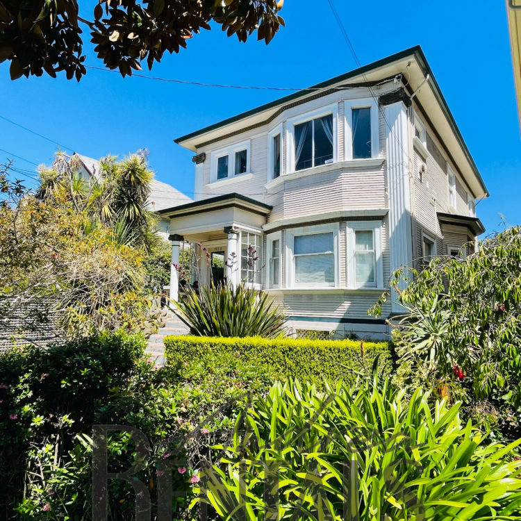 Sunny, spacious 3BR/2BA flat in a sweet Victorian house.  Fantastic central Berkeley location, tucked into a sweet tree-lined street just one block from University Avenue and 4 blocks from the Berkeley Campus.