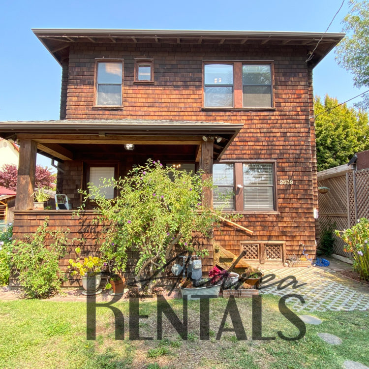 Beautifully updated 2 bed/1.5 bath house in Central Berkeley