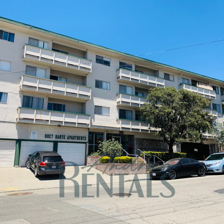 Spacious and super-clean top floor 2 bedroom,1 bathroom apartment with large, pretty balcony in retro-cool 50's apartment complex in the Lower Dimond District.
